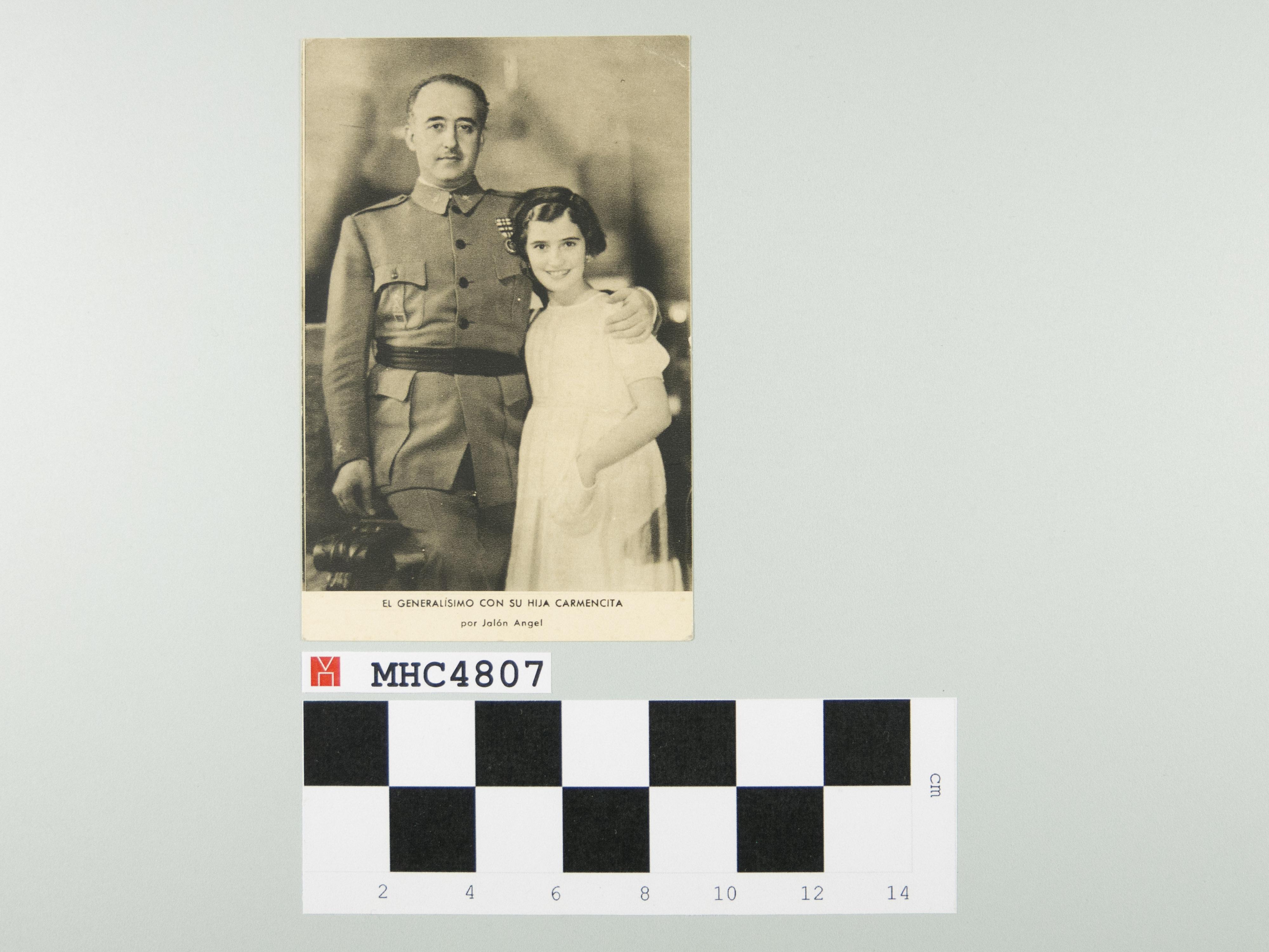 El generalísimo con su hija Carmencita.