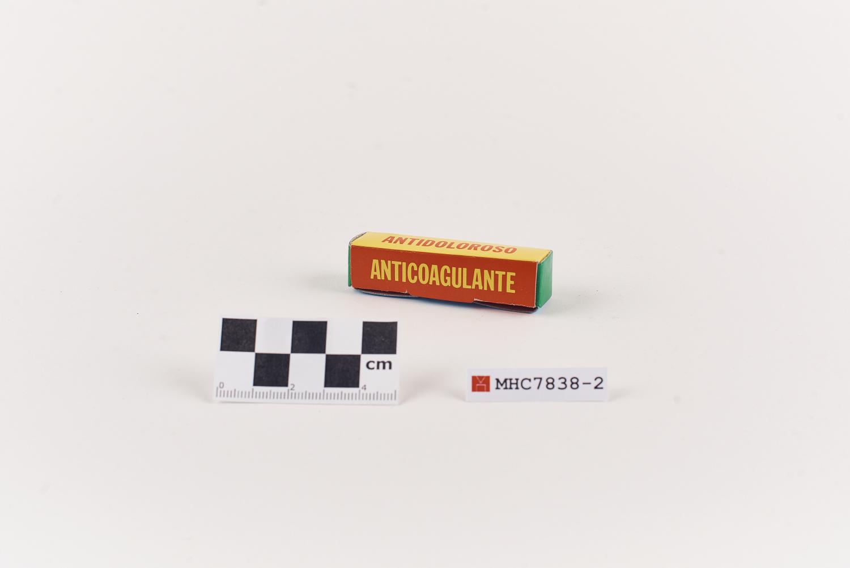 """Caixa en miniatura d'anticoagulant de la farmaciola """"Clínica miss Mary"""""""